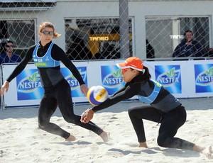 Larissa e Juliana vôlei de praia (Foto: Divulgação/FIVB)