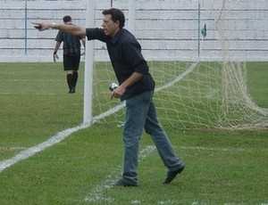 Fernando Tonet, técnico do Vilavelhense (Foto: Reprodução/Twitter)