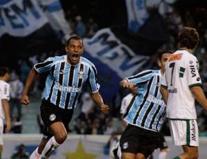 gilberto silva grêmio x coritiba gol (Foto: Wesley Santos/Pressdigital)