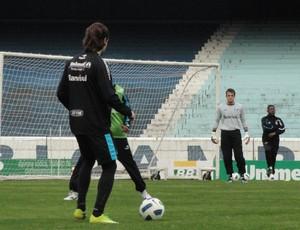 Miralles no treino do Grêmio (Foto: Eduardo Cecconi/Globoesporte.com)