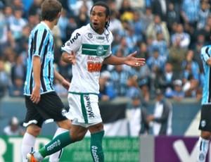 Everton Costa, do Coritiba, ficará três semanas fora (Foto: Divulgação / Coritiba)