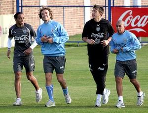 Lugano e Arevalo no treino do Uruguai (Foto: João Paulo Garschagen / GLOBOESPORTE.COM)
