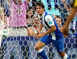 Kleber comemora gol do Porto em amistoso (Foto: AP)
