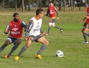 Morro e Edigar treinam no CT do Caju (Foto: Fernando Freire/Globoesporte.com)