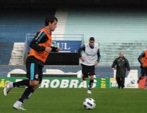 Saimon no treino do Grêmio (Foto: Eduardo Cecconi/Globoesporte.com)
