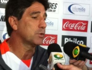 Renato Gaúcho em entrevista coletiva (Foto: Fernando Freire/Globoesporte.com)