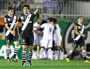 Juninho no jogo do Vasco contra o Bahia (Foto: Jorge William / Ag. O Globo)