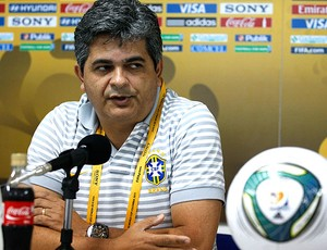 Ney Franco na coletiva da Seleção sub-20 (Foto: AP)