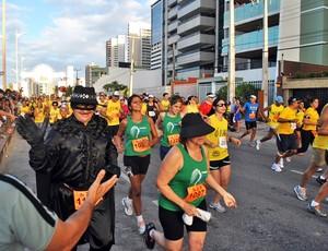 Corrida Pé na Carreira com participantes fantasiados 2 (Foto: Divulgação)