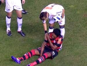FRAME Luiz Antonio sofre lesão no ombro (Foto: Reprodução)