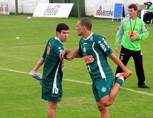 Leandro Donizete Léo Gago treino Coritiba (Foto: Marcelo Prado / Globoesporte.com)