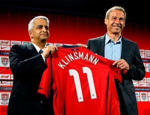 Jurgen Klinsmann é apresentado como novo técnico dos Estados Unidos (Foto: Reuters)