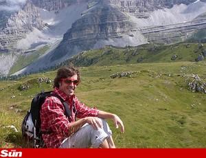Alonso ferrari férias em Madonna di Campiglio (Foto: Reprodução The Sun)