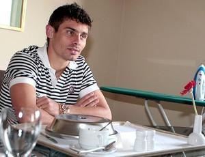 Alex do Corinthians em casa (Foto: Miguel Schincariol / Globoesporte.com)