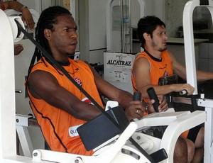 geraldo e edu na academia do vitoria (Foto: Raphael Carneiro/Globoesporte.com)