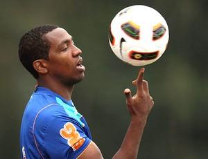 Renato Abreu no treino do Flamengo (Foto: Alexandre Cassiano / Ag. O Globo)