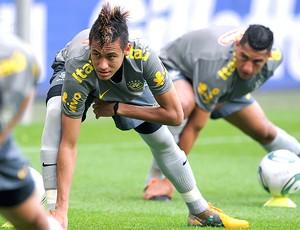 Neymar no treino da Seleção  (Foto: AP)
