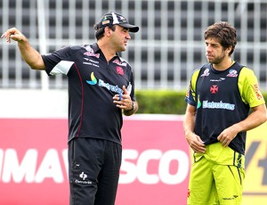 Ricardo Gomes e Juninho no treino do Vasco (Foto: Ivo Gonzales / Ag. O Globo)