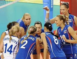 Russia comemora vitória sobre a China no vôlei (Foto: Divulgação / FIVB)