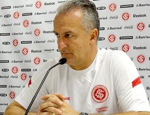 Dorival Junior na apresentação do Internacional (Foto: Alexandre Alliatti / Globoesporte.com)