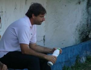 Giuliano Pariz, técnico do Botafogo de Jaguaré (Foto: Igor Gonçalves/GloboEsporte.com)