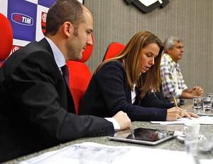 Patricia Amorim flamengo anúncio de nova parceria com a Tim (Foto: Leandra Benjamin / FlaImagem)