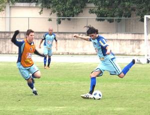 Loco Abreu no treino do Botafogo (Foto: Fábio Leme / Globoesporte.com)