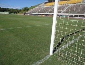 Gramado do Estádio do Pituaçu, em Salvador (Foto: Raphael Carneiro/Globoesporte.com)