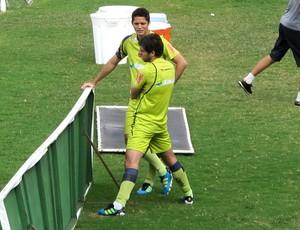 Anderson Martins e Juninho Pernambucano Vasco treino (Foto: Gustavo Rotstein/Globoesporte.com)