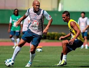 souza e thiego em treino do bahia (Foto: Felipe Oliveira/Site Oficial)