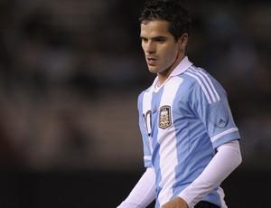 Fernando Gago pela Argentina (Foto: AFP)