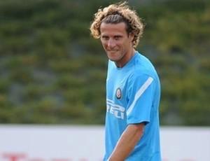 Forlan no treino do Inter de Milão (Foto: Reprodução/Site Oficial do Inter de Milão)