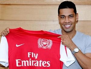 andre santos novo reforço do Arsenal (Foto: Divulgação Site Oficial do Arsenal- ING)