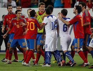 briga espanha x chile (Foto: Reuters)