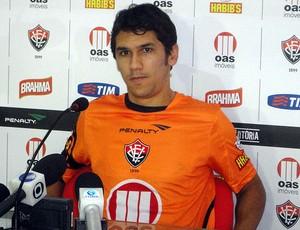 lucio flavio meia do vitoria (Foto: Raphael Carneiro/Globoesporte.com)