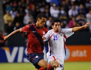 Alvaro Sanchez costa rica Timmy Chandler EUA (Foto: Agência Getty Images)