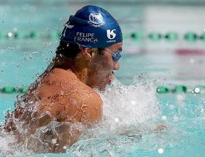 Felipe França faz valer favoritismo e vence os 50m peito