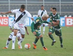 Ponte Preta x Icasa pela Série B do Campeonato Brasileiro de 2011 (Foto: Ag. Futura Press)