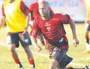 Joílson, lateral/meia do Atlético-GO (Foto: Cristiano Borges/O Popular)