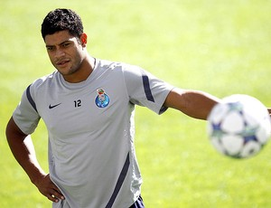 Hulk no treino do Porto (Foto: EFE)