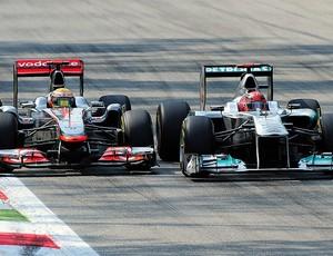 Michael Schumacher Lewis Hamilton GP da Itália (Foto: AFP)