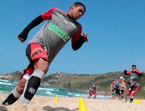 ygor figueirense treino praia mole (Foto: Divulgação / Site Oficial do Figueirense)