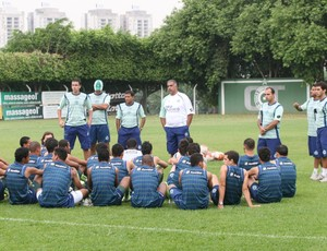 Ademir Fonseca promoveu mudanças no time (Foto: Rosiron Rodrigues/Goiás E.C.)
