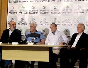 Fabio Miranda, ROberto Dinamite, Fernando Gjorup, diretor médico do Hospital Pasteur e José Antonio Guasti (Foto: Rafael Cavalieri / Globoesporte.com)