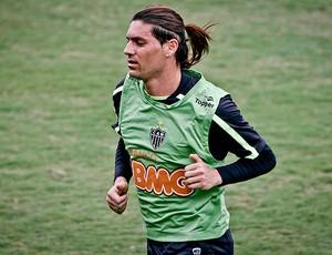Cambalhota no treino do Atlético-MG (Foto: Bruno Cantini / Site Oficial do Atlético-MG)