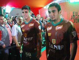 portuguesa uniforme boquita lucas gaúcho (Foto: Marcos Guerra/Globoesporte.com)