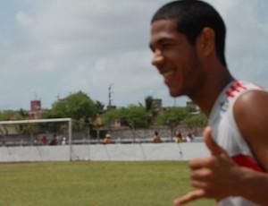 Atacante Helinho promete ser a revelação do Auto Esporte na Copa Paraíba (Foto: Renata Vasconcellos)