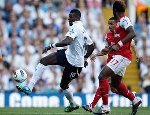 Emmanuel Adebayor Tottenham x Arsenal (Foto: Reuters)