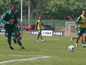 Pereira, do Coritiba, comemora gol (Foto: Gabriel Hamilko/Globoesporte.com)