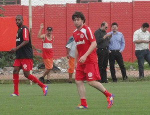 joão paulo treino internacional (Foto: Alexandre Alliatti/Globoesporte.com)
